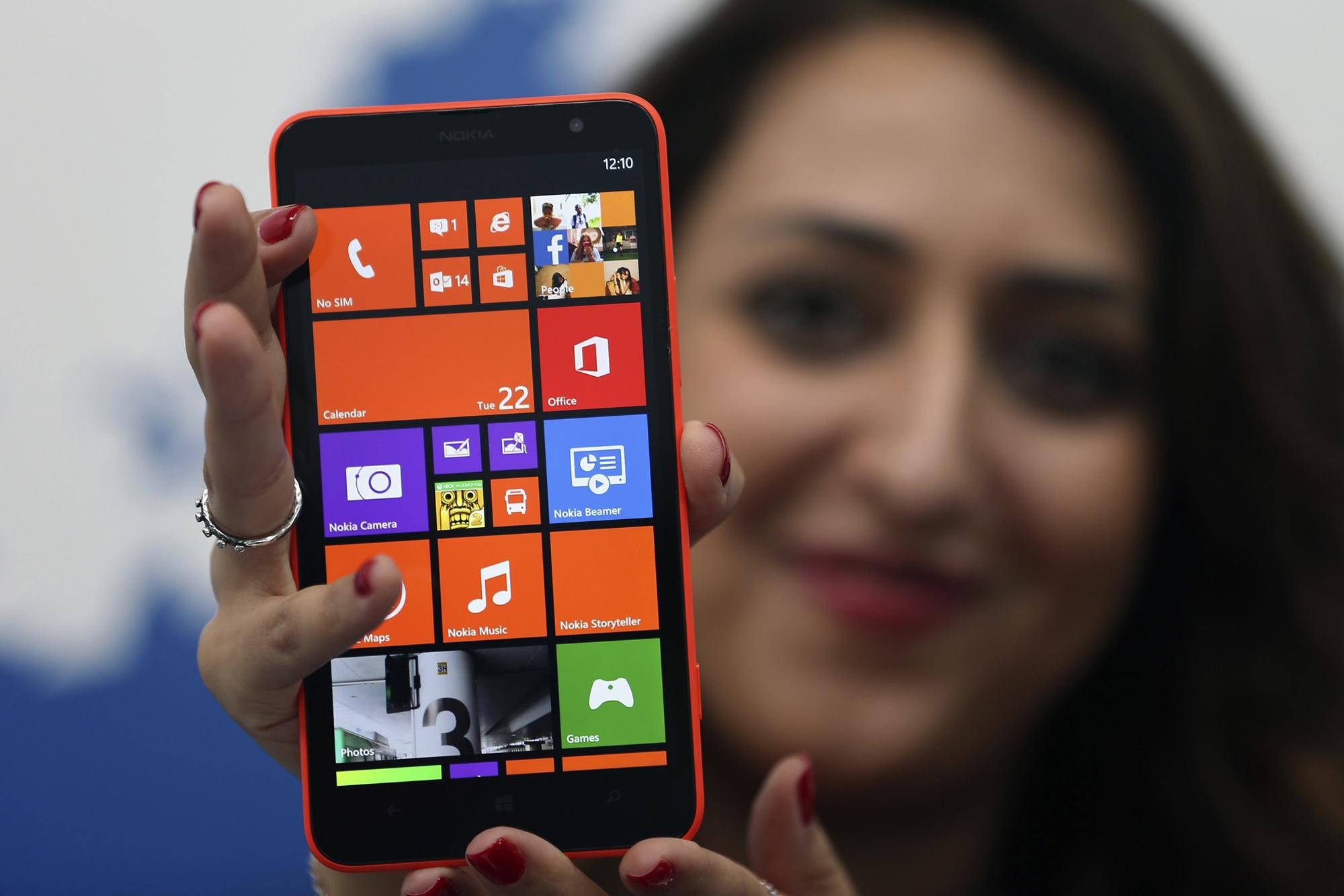 Nokia Lumia 1320 экран