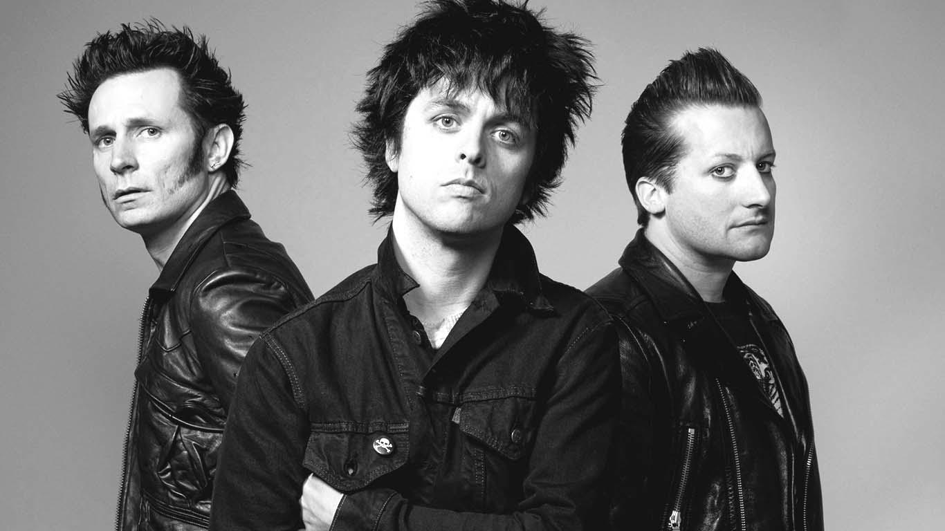 В году журнал «rolling stone» провел опрос, по результатам которого коллектив поставили на первую позицию в списке лучших панк-групп в истории.