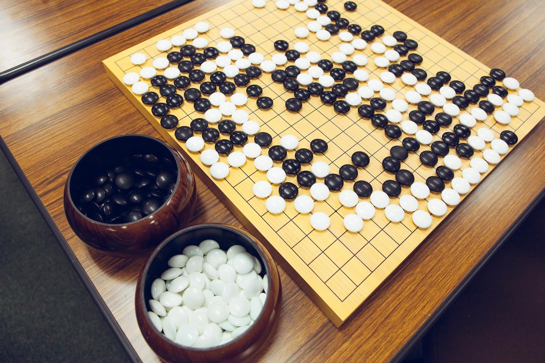 8 настольных игр, которые развивают интеллект – го