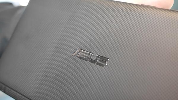 Asus MeMO Pad 7 (ME572C CL)-логотип