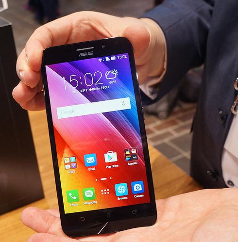 Asus Zenfone Max hands-on-Экран