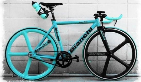 Bianchi - итальянский производитель легендарных велосипедов - главное фото