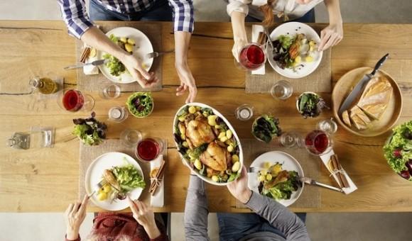 Что нельзя делать сразу после еды – привычки, которые нам вредят