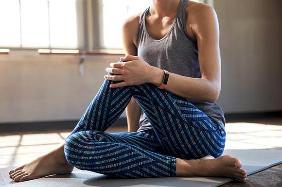 Для стильных и активных фитнес-трекеры JAWBONE и Fitbit уже в АЛЛО – Fitbit Alta для спорта