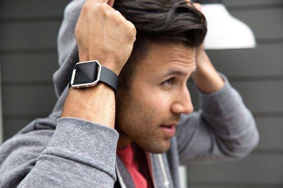 Для стильных и активных фитнес-трекеры JAWBONE и Fitbit уже в АЛЛО – Fitbit Blaze Black Small для спорта