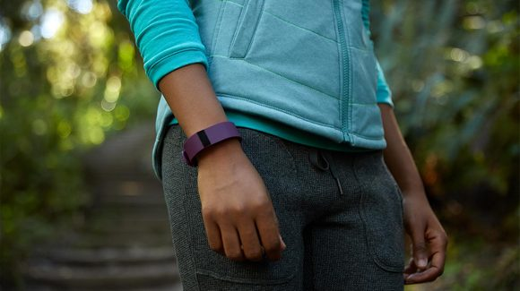 Для стильных и активных фитнес-трекеры JAWBONE и Fitbit уже в АЛЛО – Fitbit Charge HR