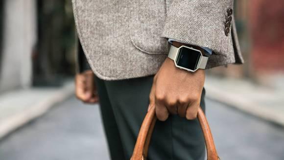 Для стильных и активных фитнес-трекеры JAWBONE и Fitbit уже в АЛЛО – Фитнес-трекер