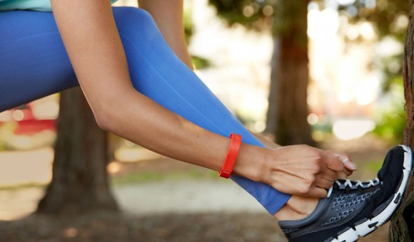 Для стильных и активных: фитнес-трекеры JAWBONE и Fitbit уже в АЛЛО!