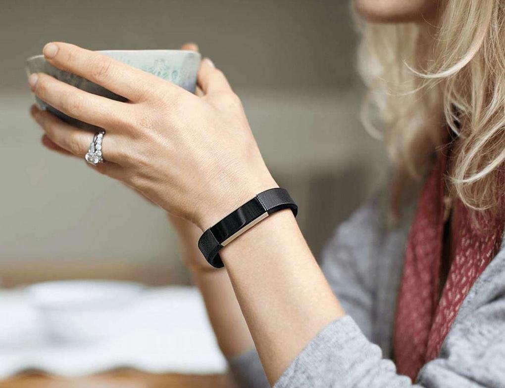Фитнес-браслет-стильный аксессуар для модниц и спортсменок