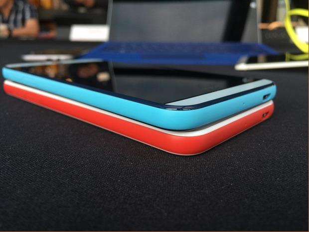 HTC Desire Eye-blue on red