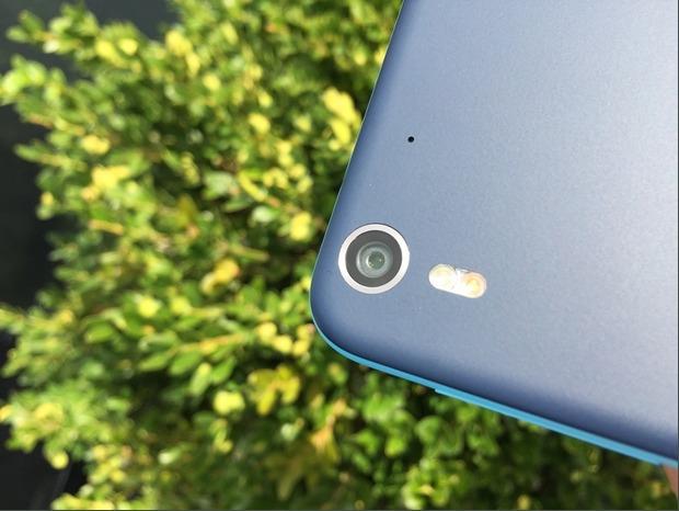 HTC Desire Eye-основная камера 13 мп