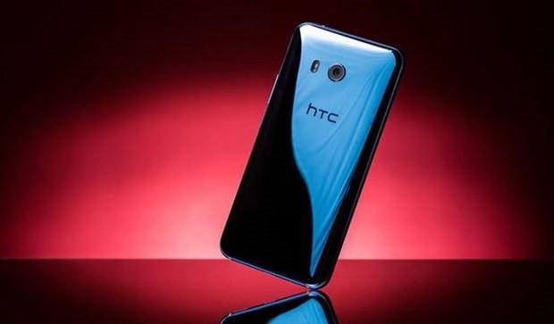 HTC U11 протестировали на прочность
