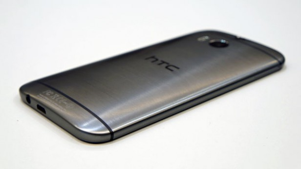 HTCOne M8 - Задняя панель