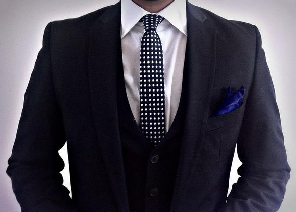 Хороший деловой костюм-как отличить