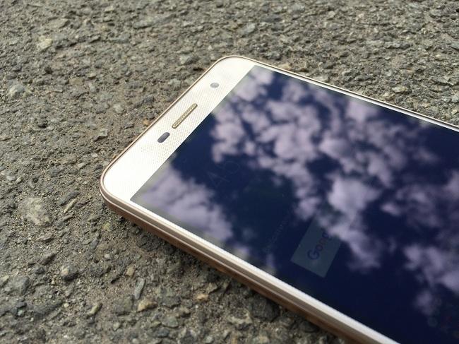 Huawei Y6 Pro Gold-экран