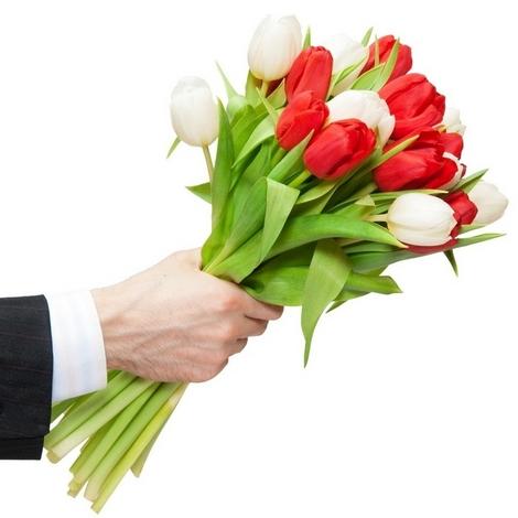 Идеи, достойные внимания подарки коллегам на 8 марта – Букет тюльпанов