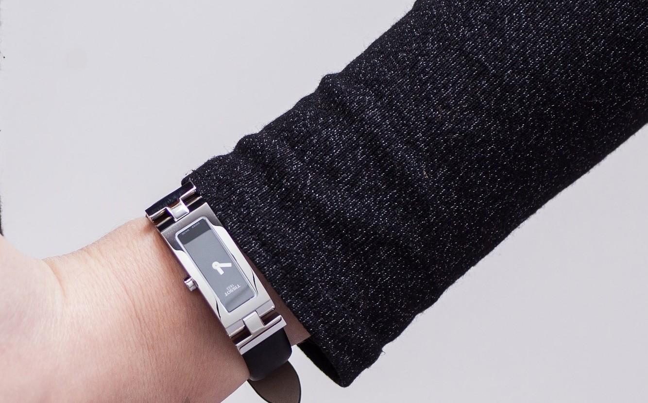 История часового бренда Tissot сделано в Швейцарии – Tissot Equi-T на руке