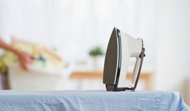 Как очистить утюг от накипи в домашних условиях – Утюг на гладильной доске