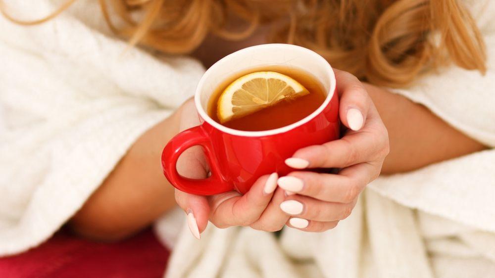 Фотография с чашкой чая