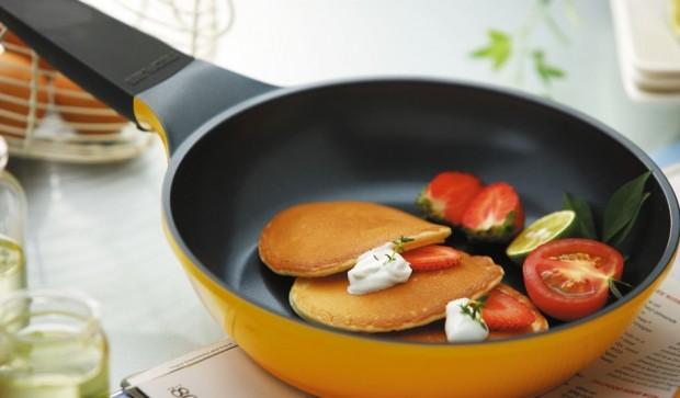 Какое покрытие лучше для мультиварки — тефлоновое или керамическое – Тефлоновая сковорода