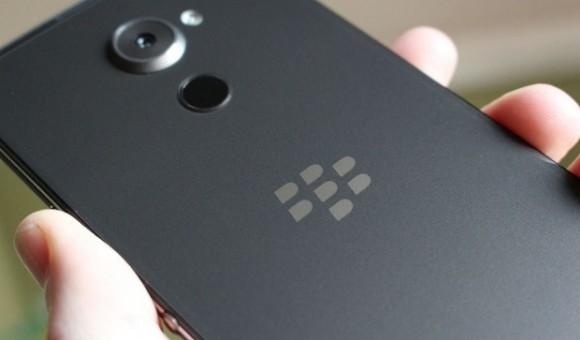 Компания TCL представит на CES 2017 новые смартфоны под брендом BlackBerry