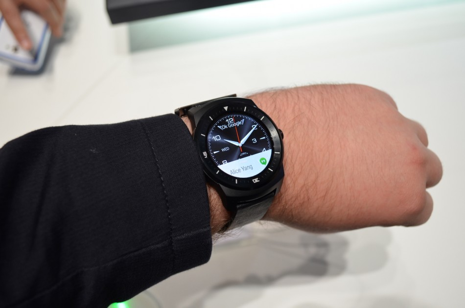 LG G Watch R-часы
