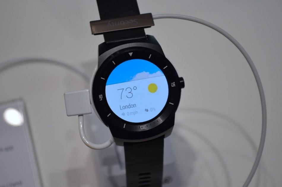 LG G Watch R-сводка погоды