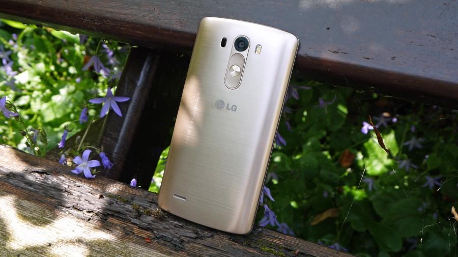 LG G4- Металл или Пластик