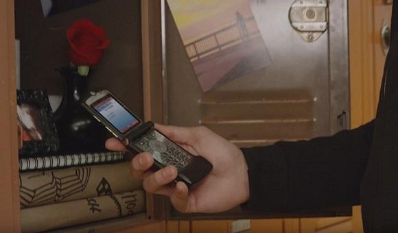 Легендарный Motorola RAZR напомнил о скором анонсе нового флагмана