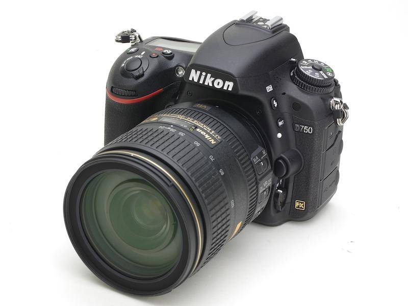 Nikon D750-вид спереди