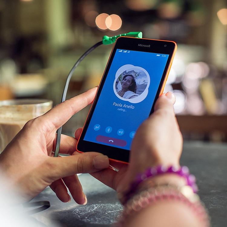 Nokia Lumia 535-Связь по Skype