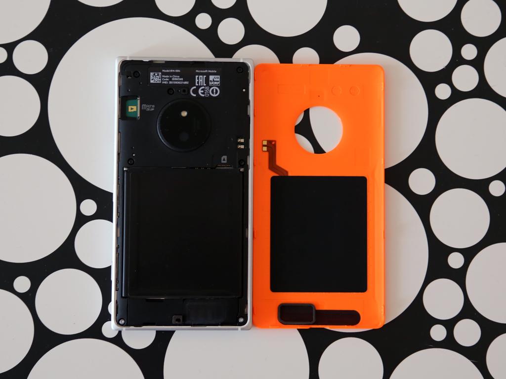 Nokia Lumia 830 - Под крышкой