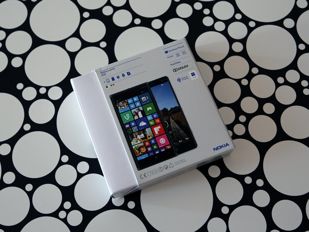 Nokia Lumia 830 - Упаковка