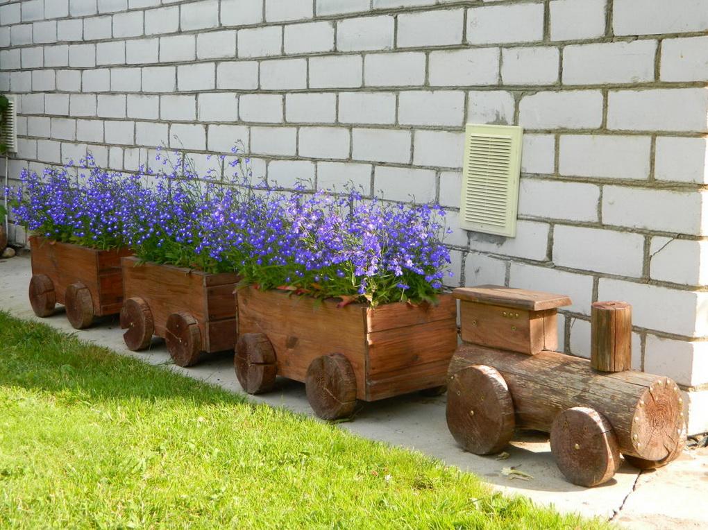 Декоративные паровозики из дерева для сада своими руками 28