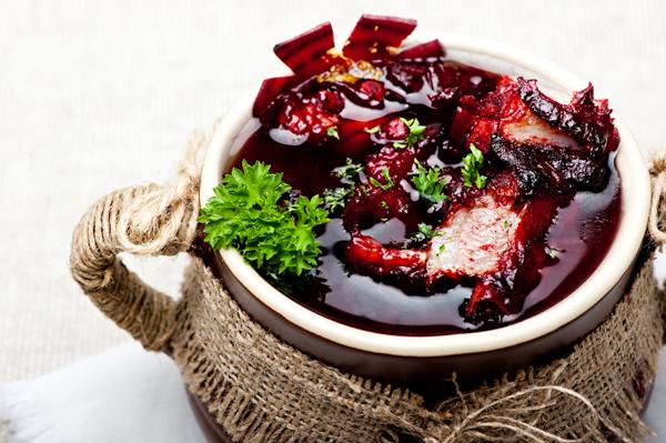 Шпундра- суп со свеклой и свининой