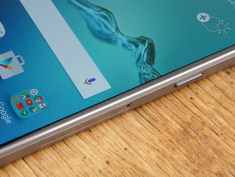 Samsung Galaxy A5 (2016)-эргономика правая грань