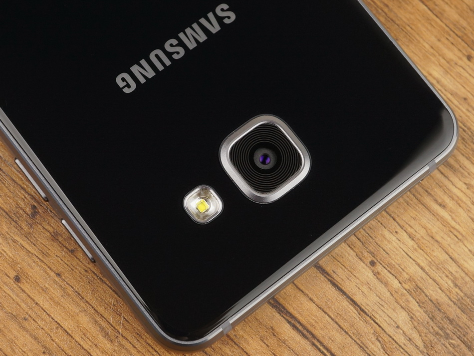 Samsung Galaxy A5 (2016)-основная камера