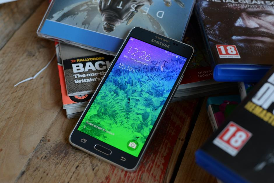 Samsung Galaxy Alpha- дисплей