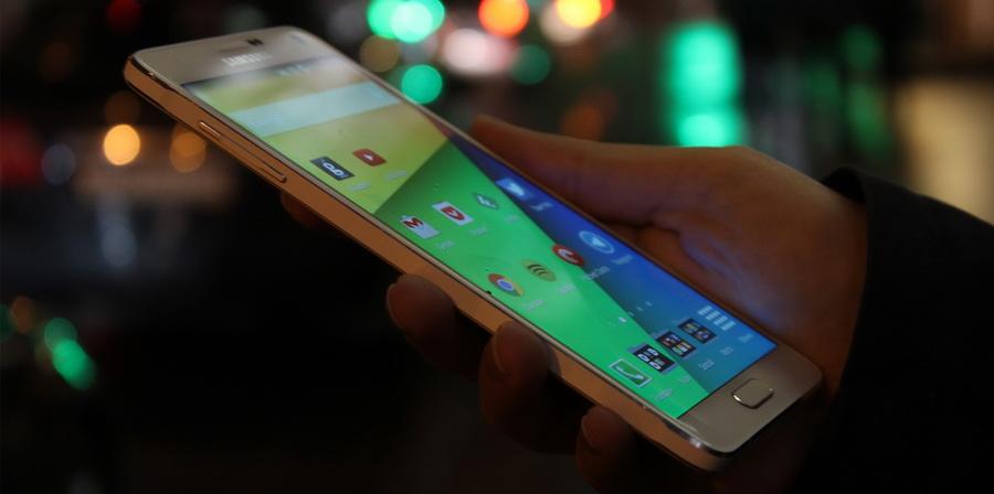 Samsung Galaxy Note 4-в руках