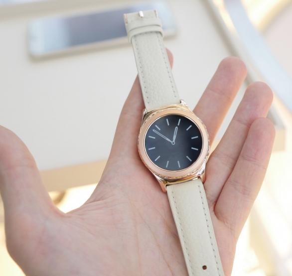 Samsung Gear S2 Classic-новый вариант часов фото