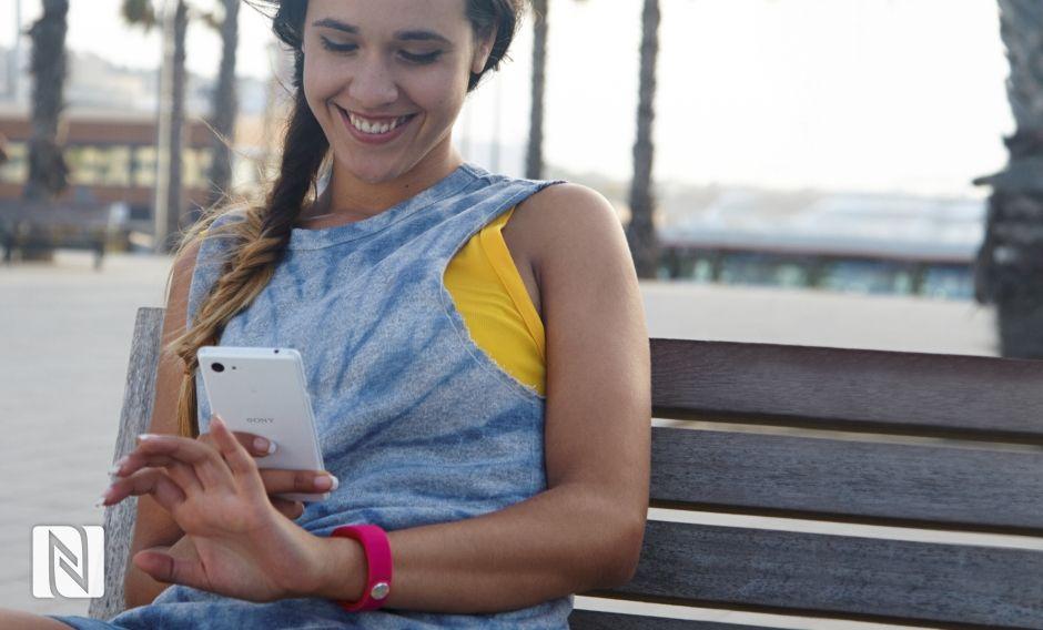 Sony Xperia E3-Коммуникация с фитнес-трекерами