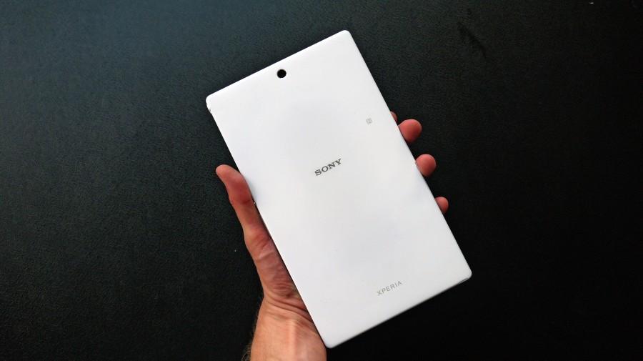 Sony Xperia Z3 Tablet-тыльная сторона