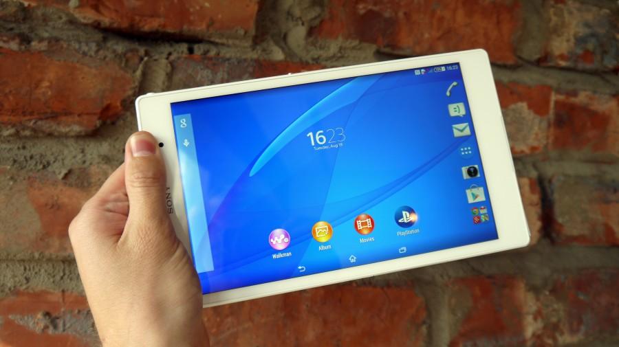 Sony Xperia Z3 Tablet-в руках