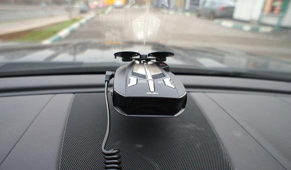 Советы от экспертов АЛЛО: как выбрать автомобильный антирадар