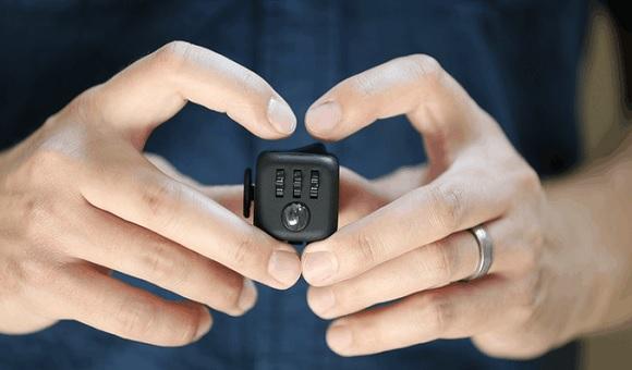 Стартап Fidget Cube собрал на Kickstarter более 3 млн долларов