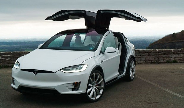 Tesla Model X назван самым безопасным автомобилем в своем классе