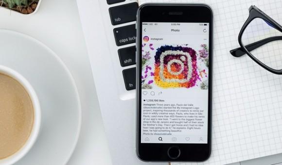 В Instagram появилась новая функция – селфи-стикеры