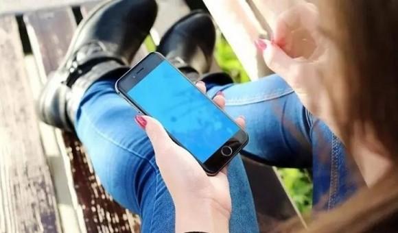 В сеть попала информация о дизайне iPhone 8