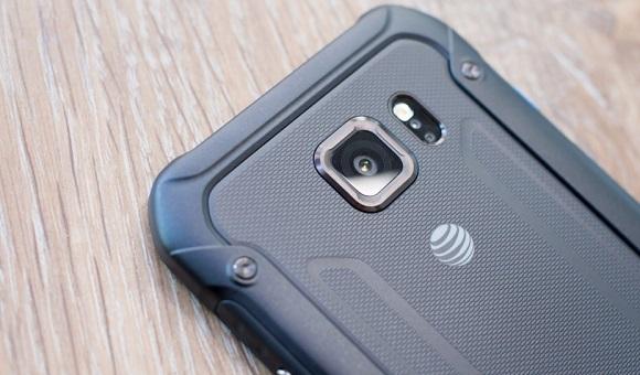 В сети появилась подробная информация о Samsung Galaxy S7 Active - главное фото