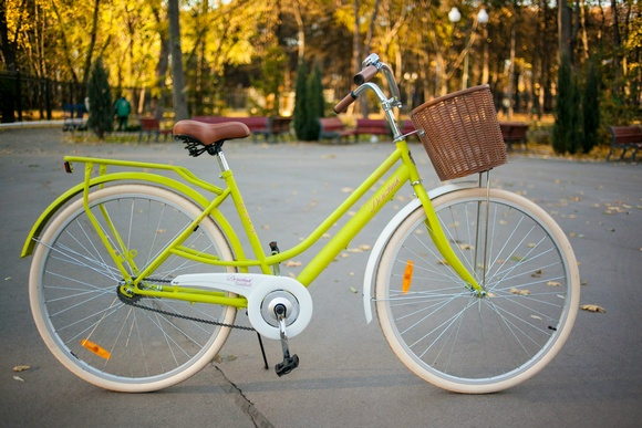 Велосипед бренда Дорожник, выполненный в ретро-стиле